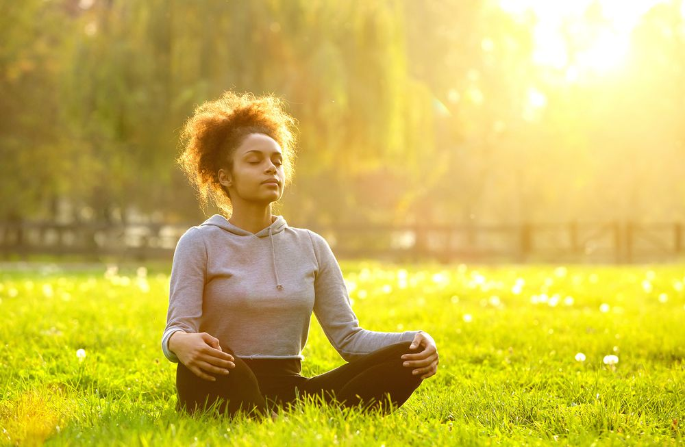 Thinking about your to-do list too much? Try these simple steps to mindfulness, so you can quiet your mind, feel more present, and connect with your family.