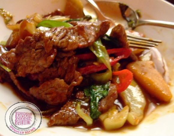 Family-friendly recipes for working moms: Quick Mongolian Beef Stir-Fry. Yum!