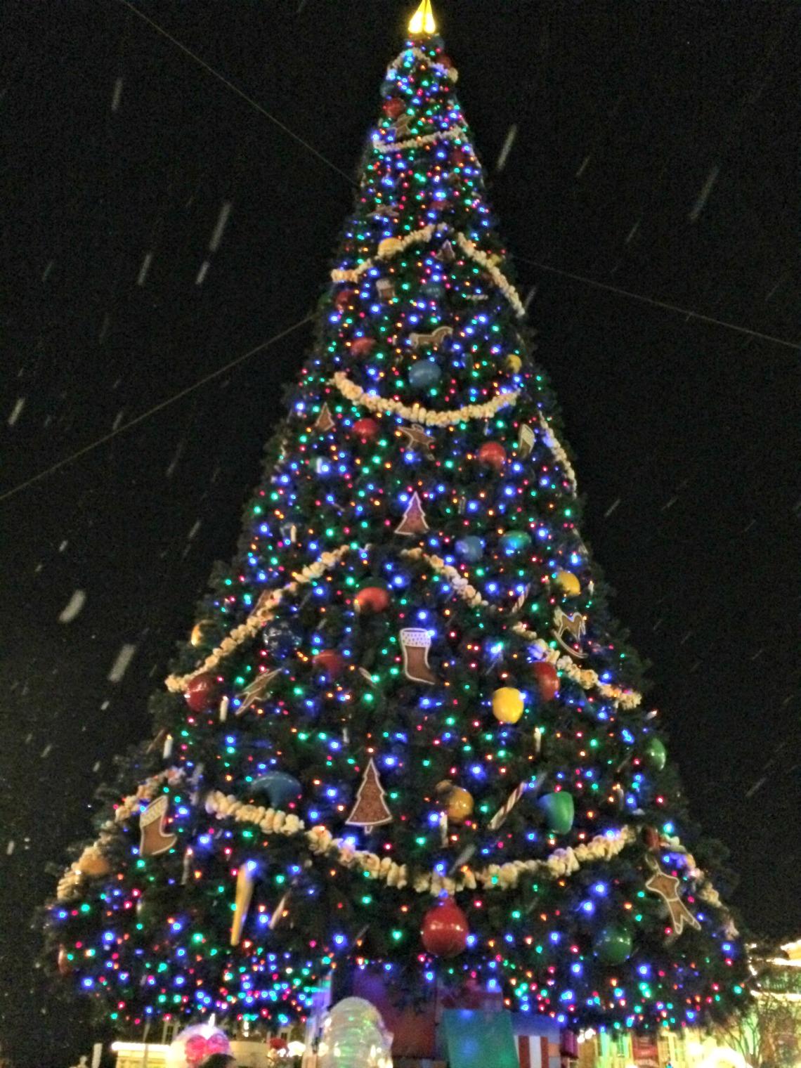 very-merry-christmas-tree