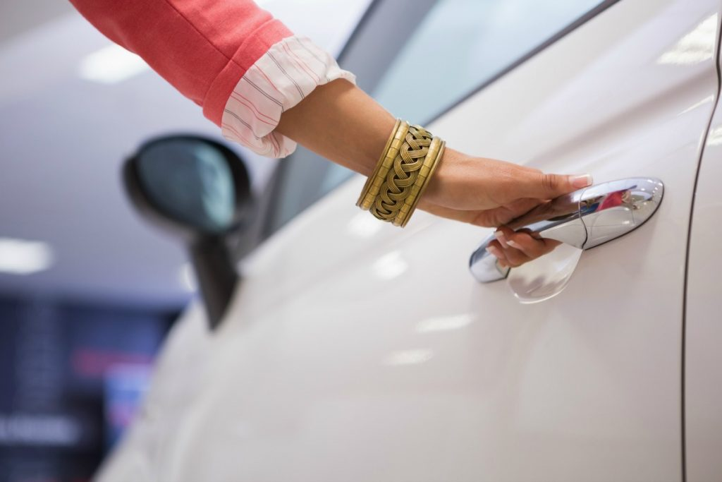 Woman's Guide to Car Buying: 5 Tips to Empower Yourself