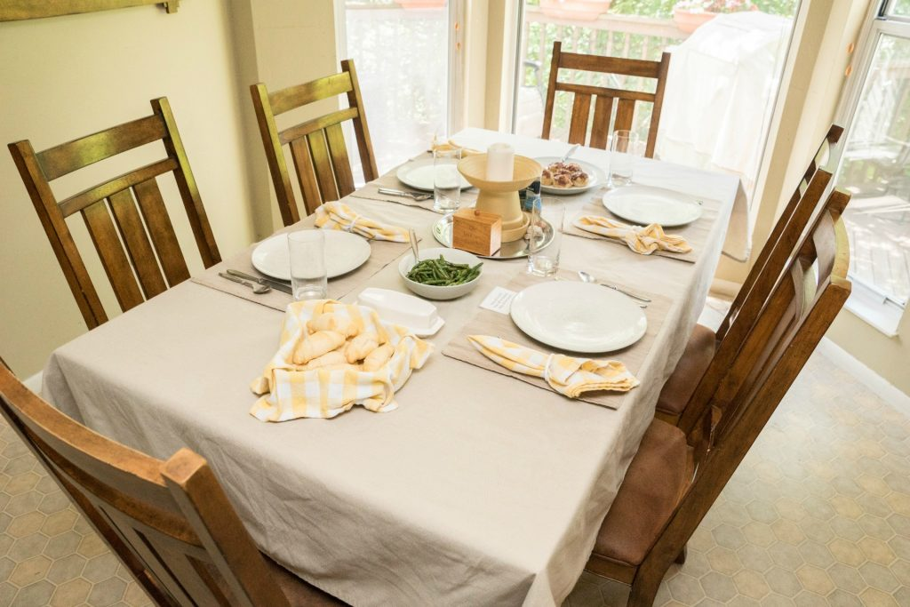 Optimizing Mealtime: Tips for Eating Together as a Family